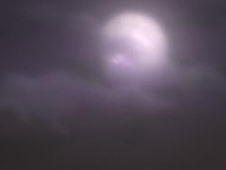 MAYA渲染出乌云里的月亮