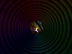 PS简单制作时空隧道树洞效果教程