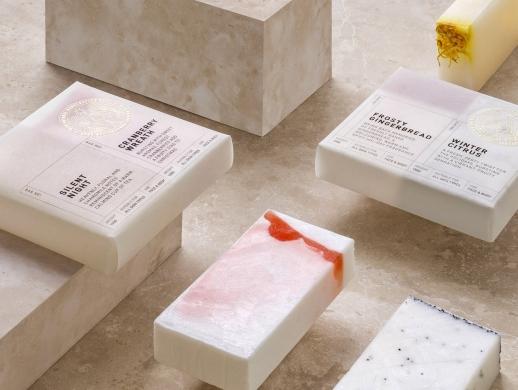 一套极简清新风格的手工肥皂包装设计