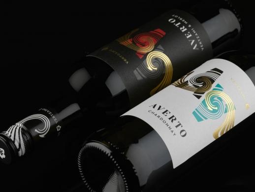 两套创意葡萄酒酒标设计