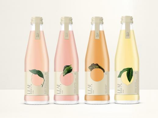 一种清爽的饮料包装,带有淡淡的天然成分有机茶