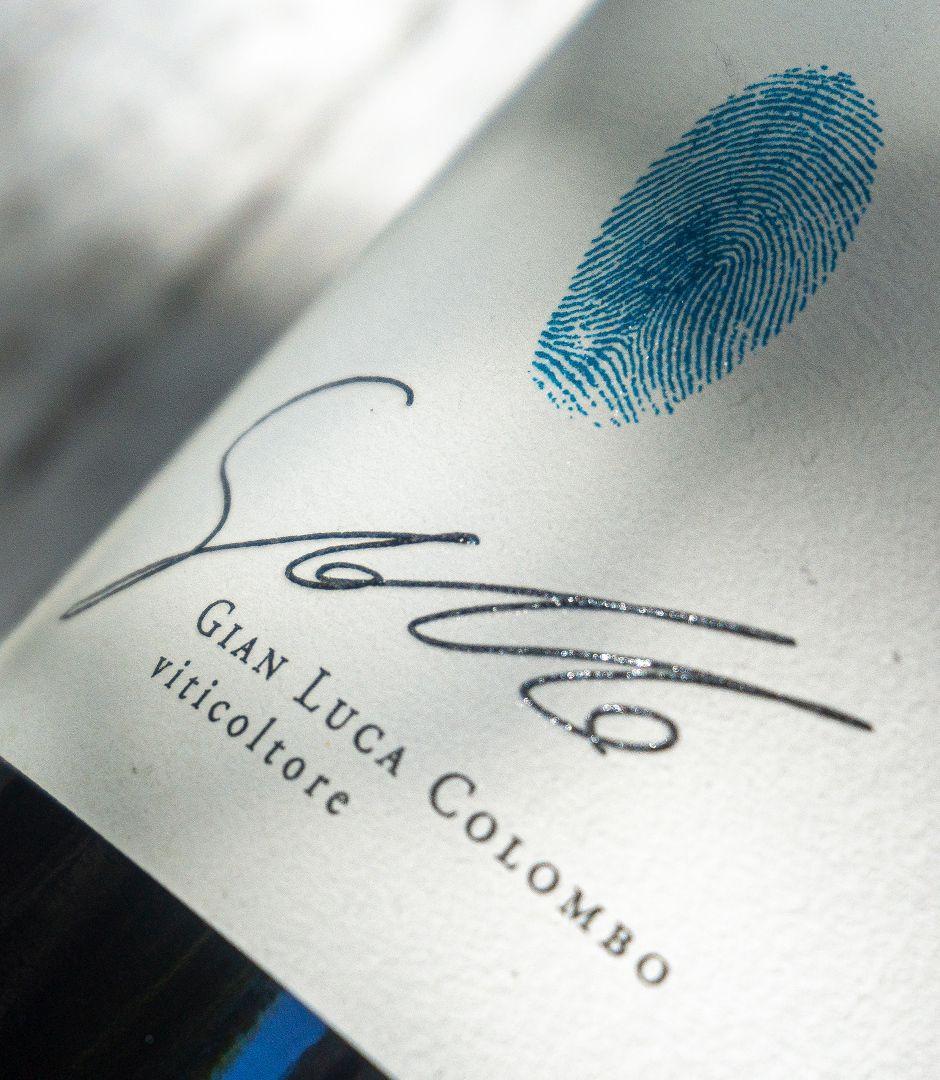 极简原生创意指纹红酒酒标设计 飞特网 原创酒标设计